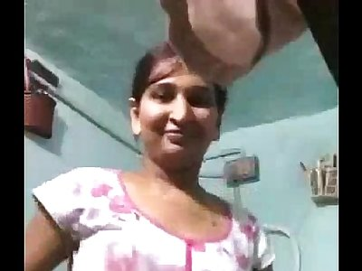 Indian Bhabhi Bathing Desi Beauty Shower